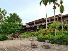 Batang Ai Longhouse Hilton Resort | Malaysia Budget Hotels