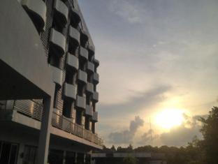 Rome Place Hotel Phuket - A szálloda kívülről