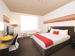 Royal Pacific Hotel Sydney - Deluxe Queen Room