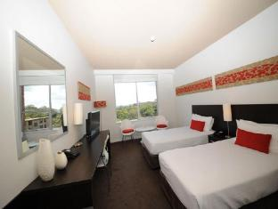 Royal Pacific Hotel Sydney - Guest Room