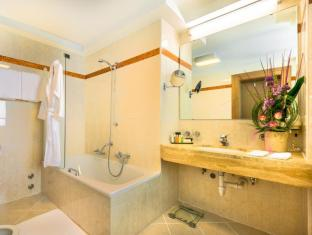Grand Hotel Europa Innsbruck - Bathroom
