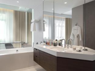 Manzil Downtown Dubai Hotel Dubai - Bathroom