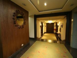 Crown Regency Hotel Makati Manila - Ballroom Hallway
