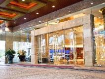 Hotel Fortuna: entrance