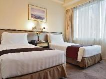 South Pacific Hotel: guest room