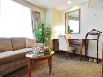 South Pacific Hotel: suite room