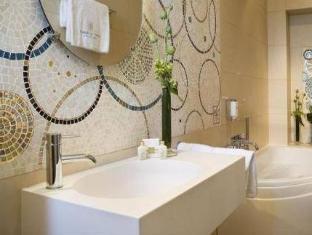 Hotel Aiglon Paris - Bathroom