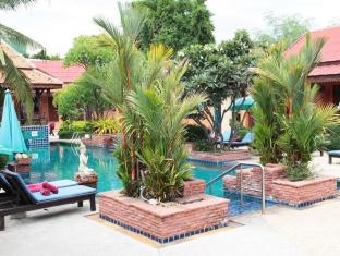 Sabai Resort Pattaya - Swimming Pool