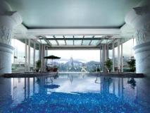 The Peninsula Hong Kong: swimming pool