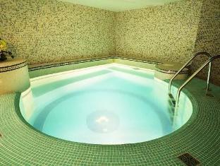 /victoria-hotel/hotel/minsk-by.html?asq=5VS4rPxIcpCoBEKGzfKvtBRhyPmehrph%2bgkt1T159fjNrXDlbKdjXCz25qsfVmYT