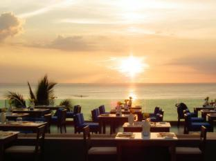 La Flora Resort Patong Phuket - The Surface Restaurant