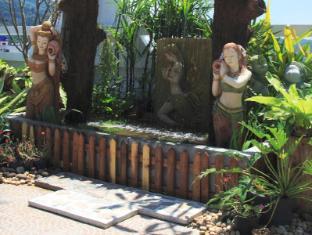 Rayaburi Hotel Patong Phuket - Jardin