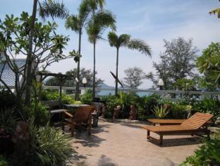 Rayaburi Hotel Patong Пхукет - Сад