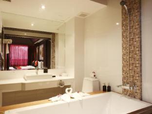 拉雅布里芭東酒店 布吉 - 衛浴間