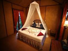 Tropical Garden Lounge Bungalow Village   Thailand Cheap Hotels