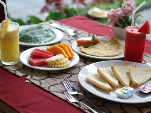 Putri Ayu Cottages Бали - Храна и напитки