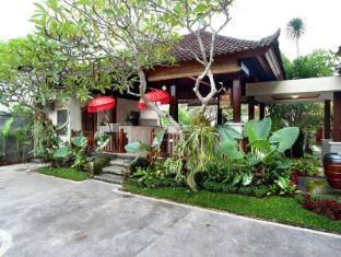 Putri Ayu Cottages Бали - Фасада на хотела