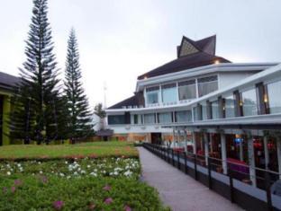 Mikie Holiday Resort Berastagi