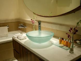Flora Park Deluxe Hotel Apartments Dubai - Bathroom