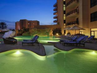 Park Hotel Apartments Dubai - Swimming Pool