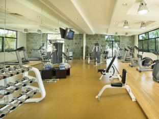 Park Hotel Apartments Dubai - Fitness Room