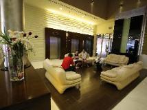 Tulip Creek Hotel Apartments: lobby
