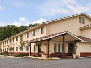 /super-8-newburgh/hotel/newburgh-ny-us.html?asq=jGXBHFvRg5Z51Emf%2fbXG4w%3d%3d