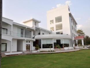 /the-elegance-resort-chittorgarh/hotel/chittorgarh-in.html?asq=jGXBHFvRg5Z51Emf%2fbXG4w%3d%3d