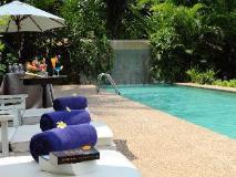 Sunset Villa by Burasari: swimming pool