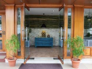Hotel Vedanta Wake Up - Ernakulam
