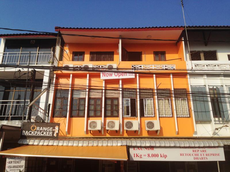 オレンジ バックパッカー ホステル1