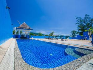 White Sand Resortel Phuket - Swimming Pool