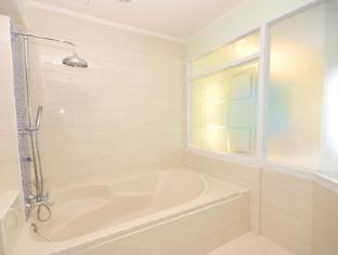曼谷海普飯店 曼谷 - 衛浴間