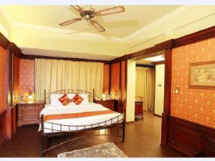 Travancore Court Hotel Kochi - Suite room