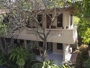 Flamboyan Hotel Bali Bali - Room Balcony