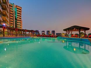 Copthorne Hotel Dubai - Swimming Pool
