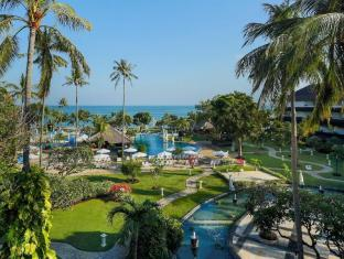 Discovery Kartika Plaza Hotel Bali - Piscina