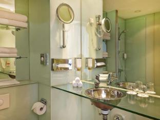 Ramada Hotel Berlin Mitte Berlin - Bathroom