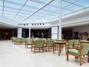 /fi-fi/hotel-the-new-algarb/hotel/ibiza-es.html?asq=vrkGgIUsL%2bbahMd1T3QaFc8vtOD6pz9C2Mlrix6aGww%3d