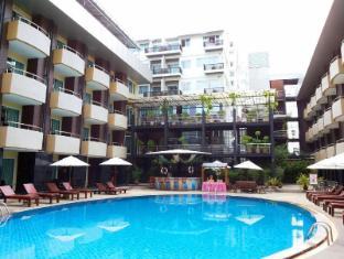 Baron Beach  Hotel Pattaya - Swimming Pool