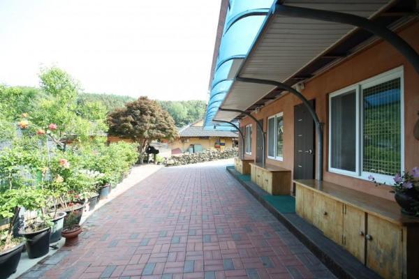 Jangseong Chungnyeongsan Pyeonbaek House Pension Gochang-gun