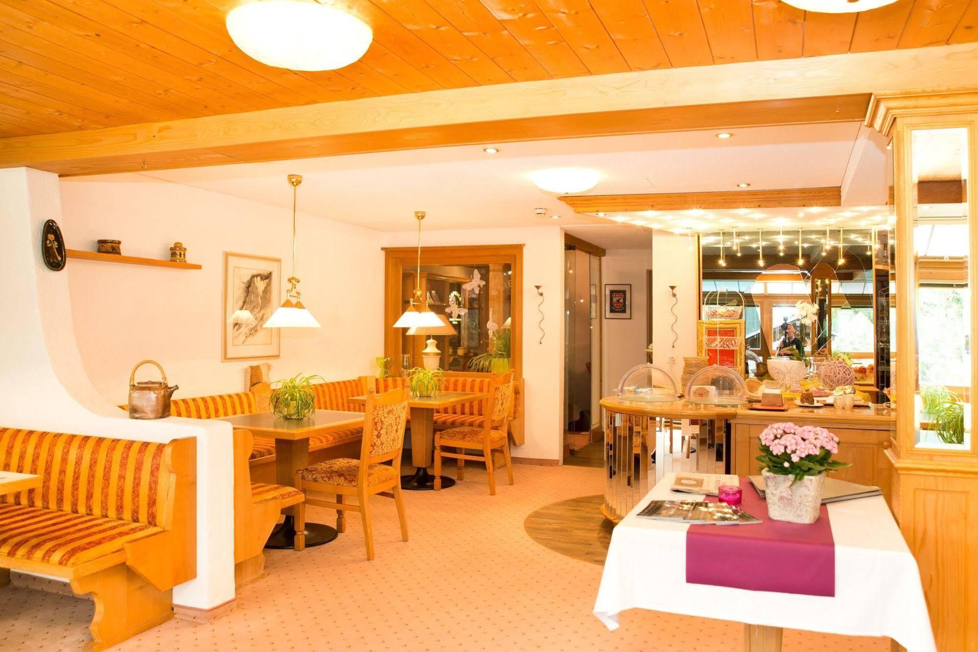 Hotel Caprice - Grindelwald, Interlaken