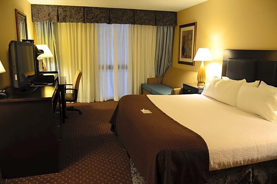 SureStay Plus Hotel by Best Western Kansas City Northeast, Clay