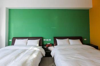 Dajianshan Overflowing Stack Featured Hostels