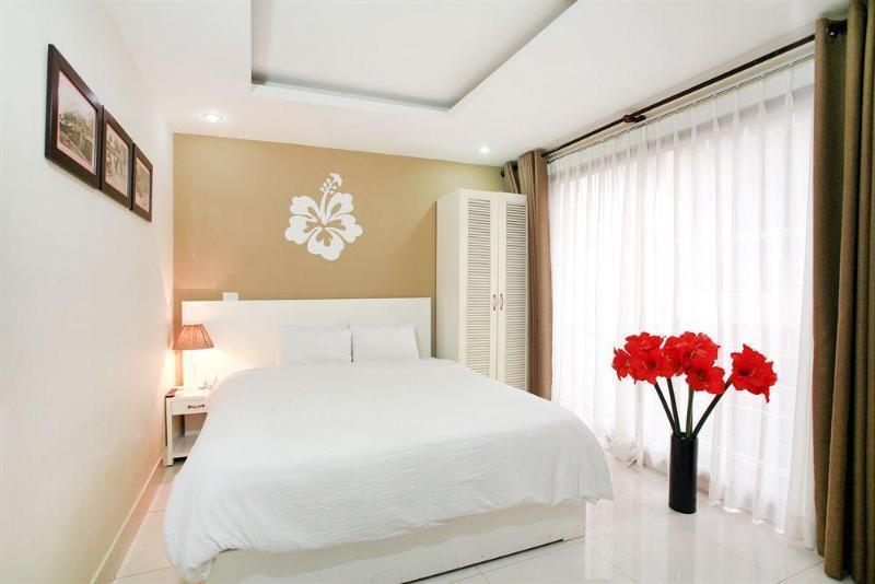 Hanoi Hibiscus, Thạch Thất