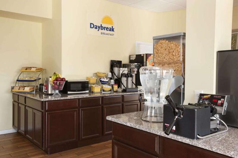 Days Inn by Wyndham Wrightstown, Burlington