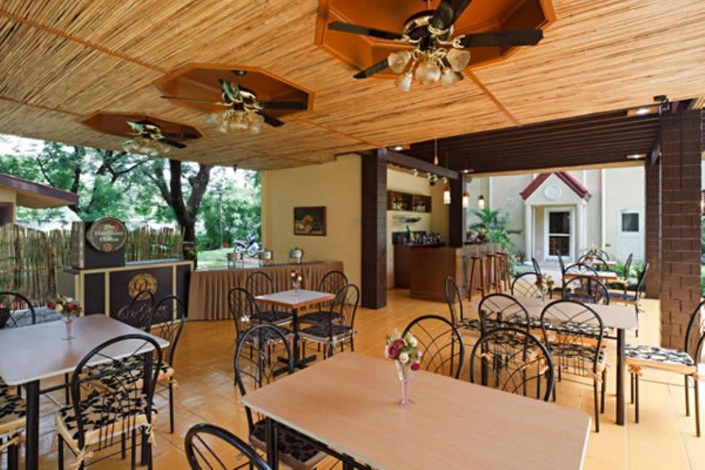 Microtel Inn & Suites By Wyndham Tarlac, Tarlac City