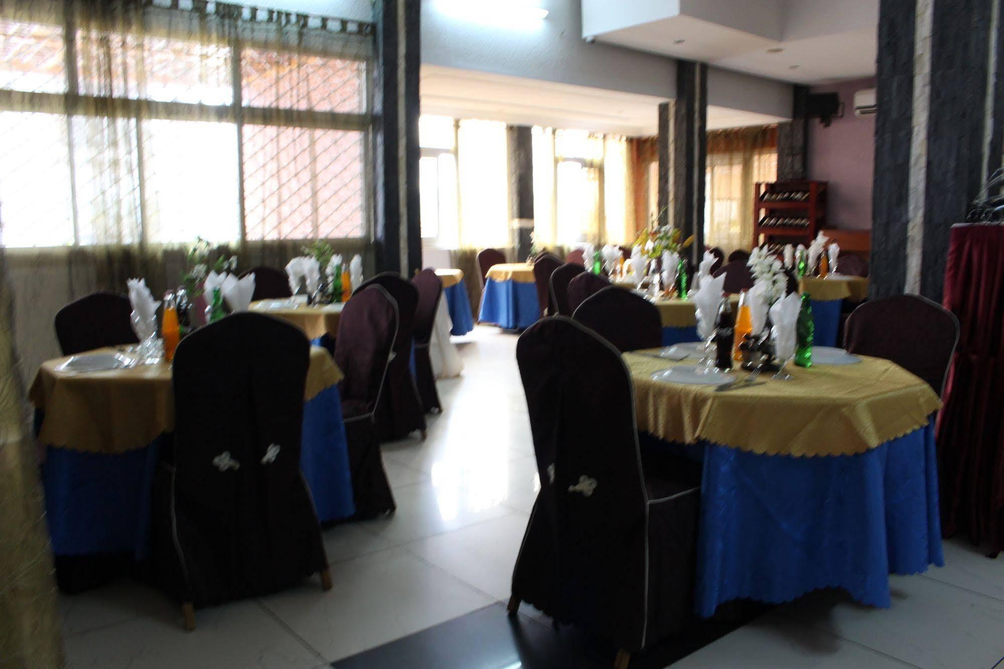 Tou'Ngou Hotel, Mfoundi