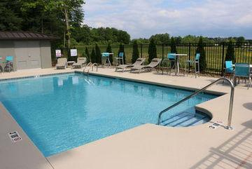 Holiday Inn Express & Suites - Hendersonville Se - Flat Rock, Henderson
