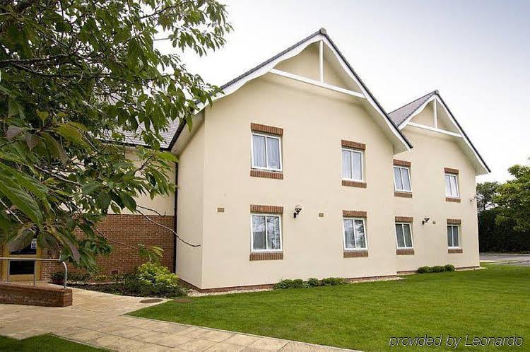 Premier Inn Taunton Ruishton (M5, J25), Somerset